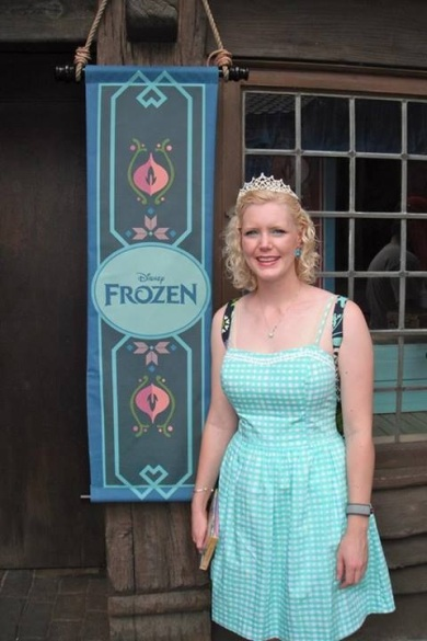 Caroline at the 'Frozen' character meet & greet area in Norway.