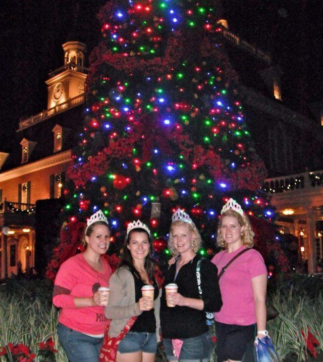 Huge Christmas tree at American pavilion.