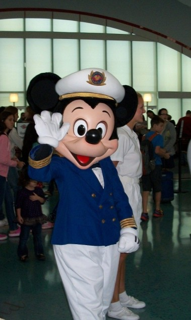 Captain Mickey arriving for his meet & greet.