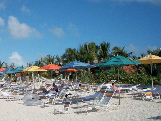 The umbrellas at the Beach Club are the same as the umbrellas at Castaway Cay!