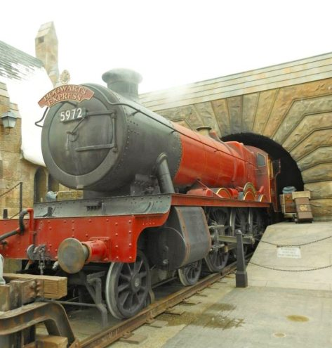 Hogswart Express train.