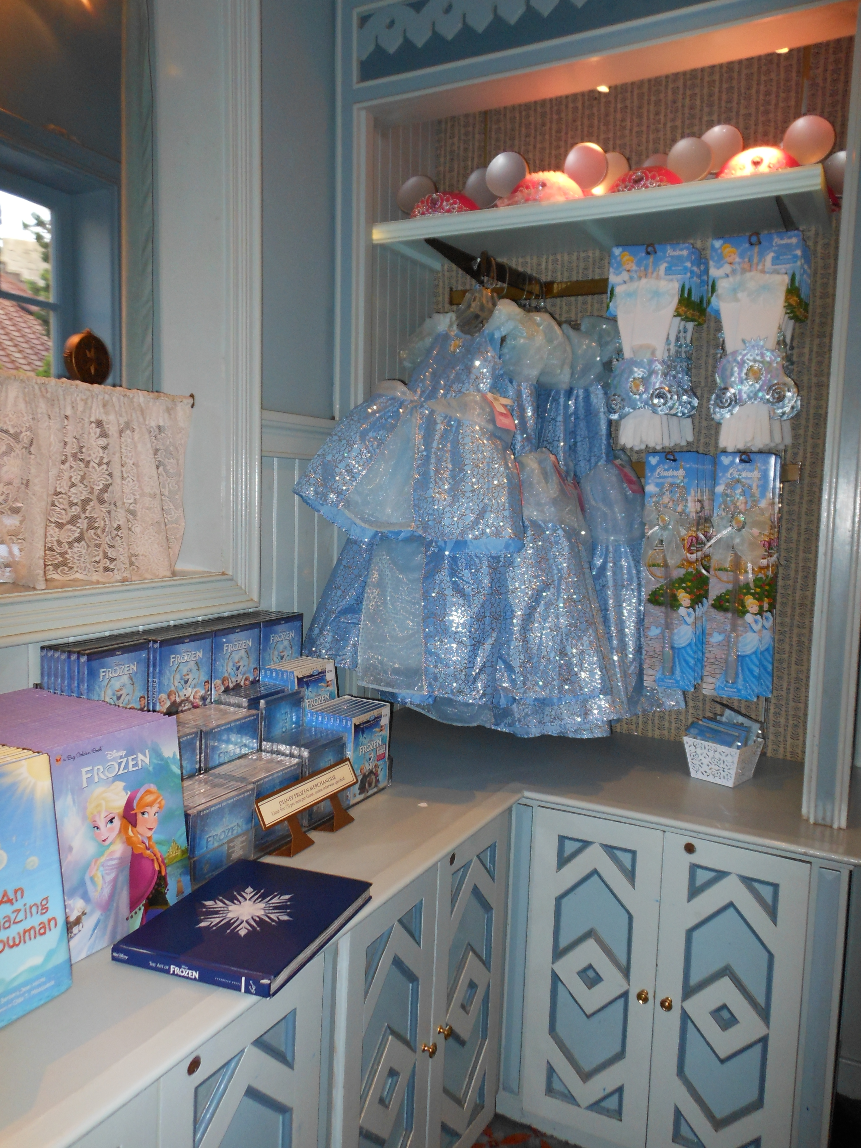 May   2014   Elly and Caroline\'s Magical Disney Moments