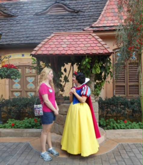 Hot, hot day and not a droplet of sweat on Snow White!