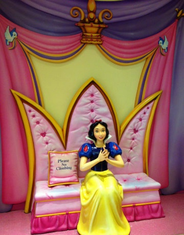 Missed having your photo taken with Snow White?  Well, here she is!
