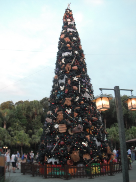 Huge decorated Christmas tree at DAK.