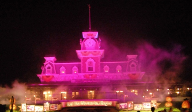 Spooky music and lighting and fog throughout the Magic Kingdom.