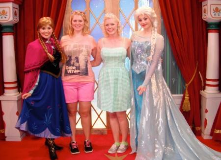 Anna and Elsa meet & greet