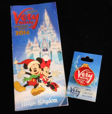 The Mickey's Very Merry Christmas Party trading pin.