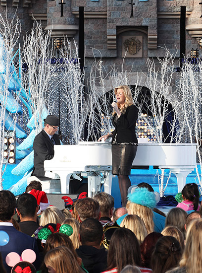 "At Disneyland, Trisha Yearwood gave the audience a beautiful rendition of ""Have Yourself A Merry Little Christmas."""