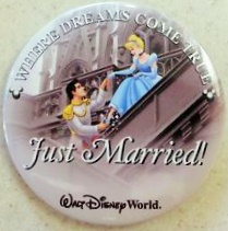 Just Married celebration button - free!