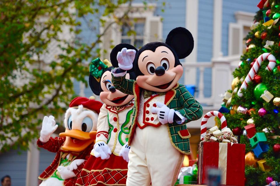 2014 Disney World Christmas Day Parade Taping | Elly and ...