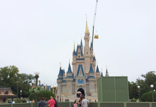 The MK crane hard at work taking down the Dream Lights.