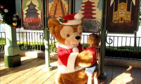 Duffy 3rd costume, his Christmas one with some holly in his hat.
