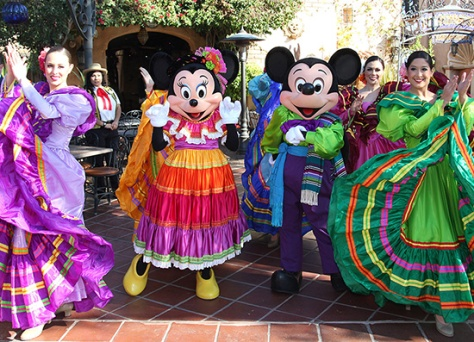 We love Mickey & Minnie's costumes for the event!