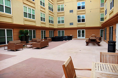Courtyard, no pool.