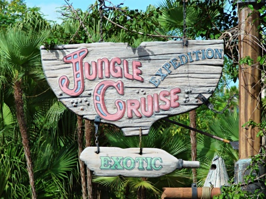 Theme based on the nearby Jungle Cruise attraction.
