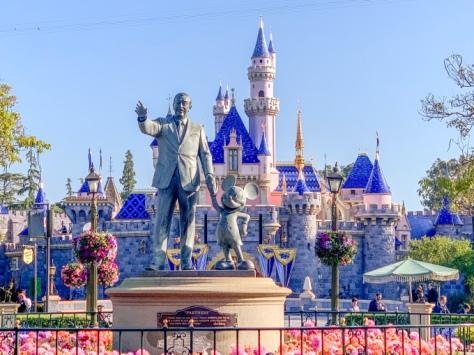 walt and Mickey DLR