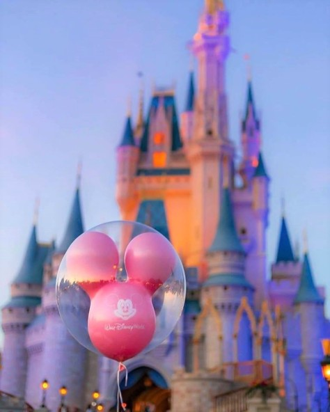 castle balloon Cinderella