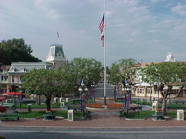 Disneyland: September 11, 2001 11am