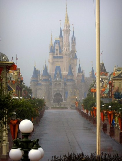 A rainy afternoon at MK.  Look, no crowds!