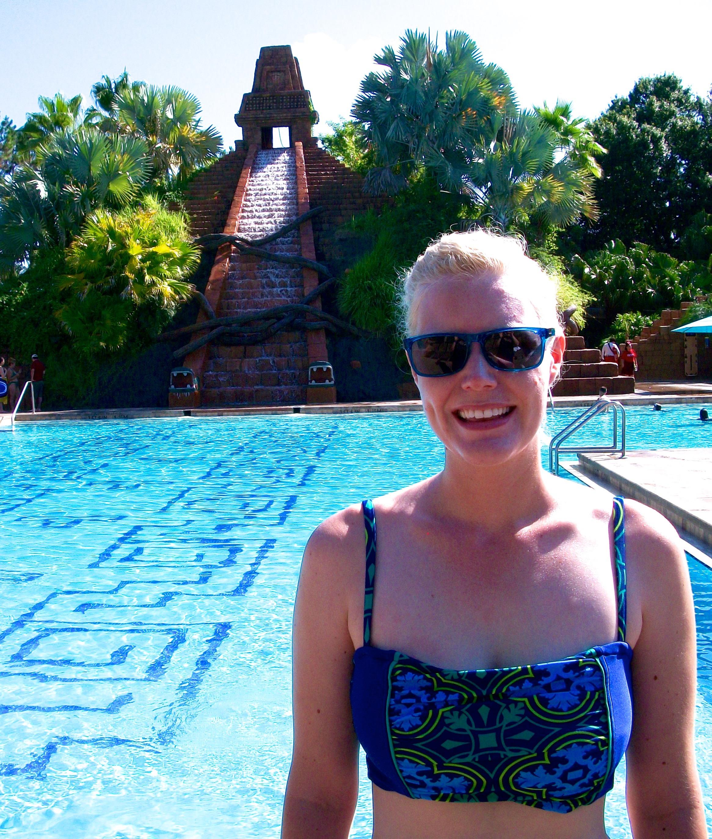 Coronado pool elly and caroline 39 s magical moments for Caroline springs swimming pool