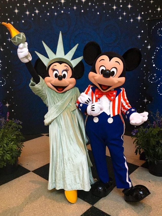 4th of July minnie and Mickey