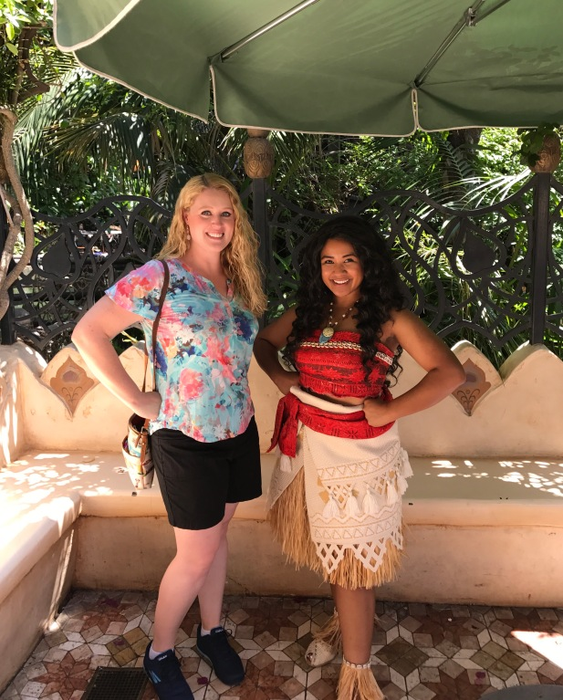 Meeting moana at disney world elly and carolines magical disney meeting moana at disneyland in june she was so short and pretty m4hsunfo