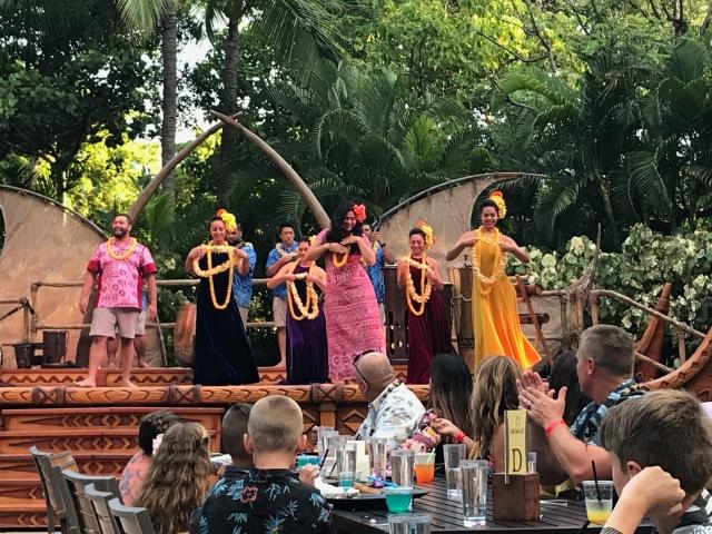 Aulani dancers