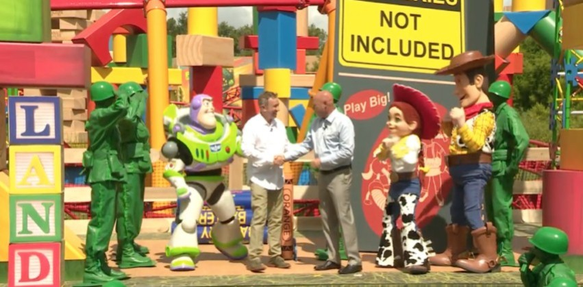 toy story land (2)