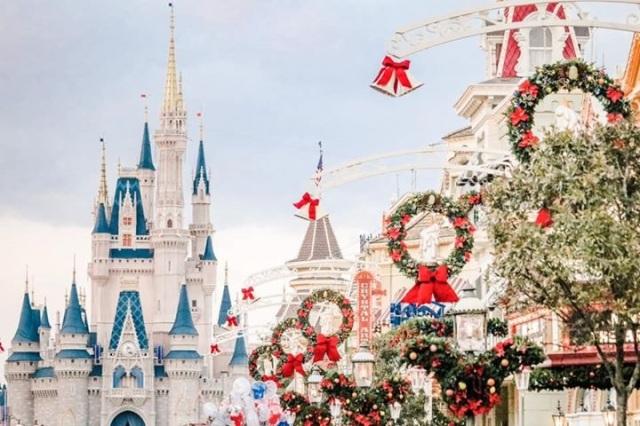 Christmas castle MK