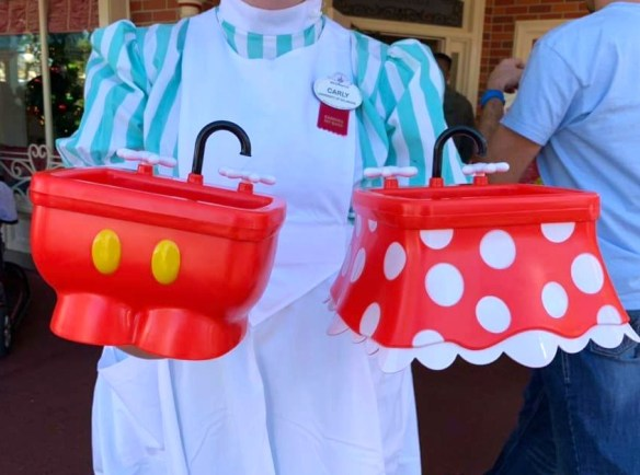 The New Minnie Kitchen Sink Sundae At Magic Kingdom Elly