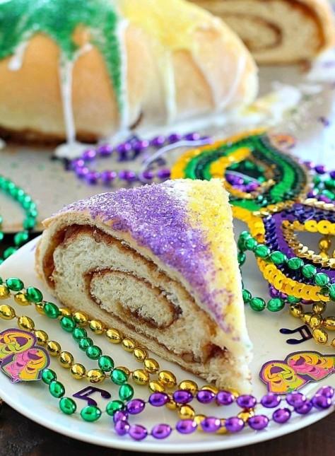 mardi-gras-king cake