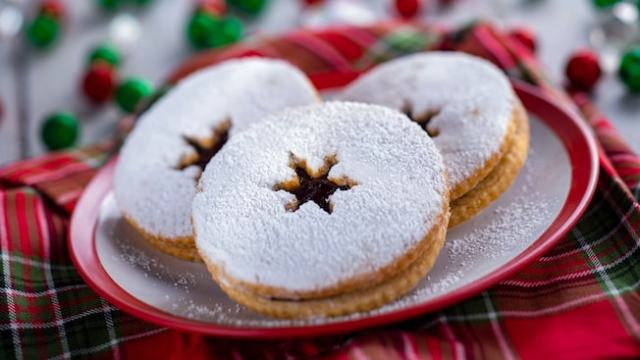 feast-of-holidays-cookie-stroll-linzer-cookie