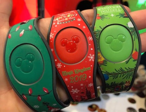 2019-Christmas-MagicBands
