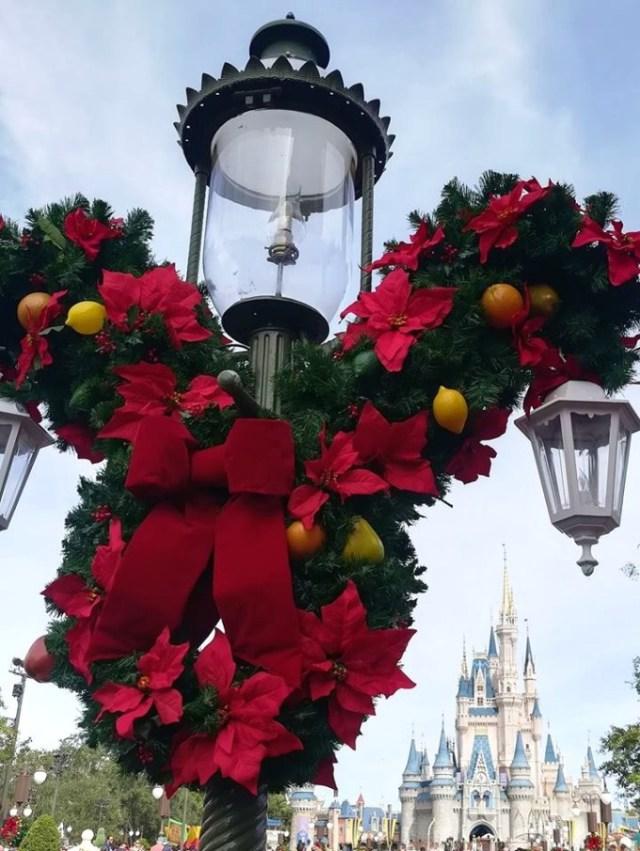 christmas Mickey 2