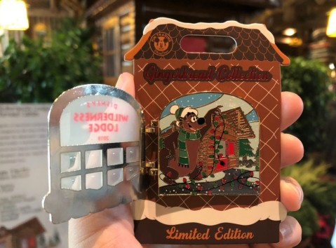 wilderness-lodge-gingerbread-cabin-2019-grand-opening_15