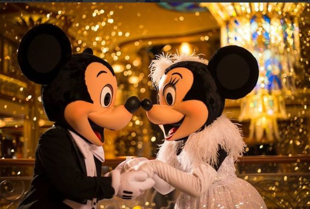 Mickey New Years Eve
