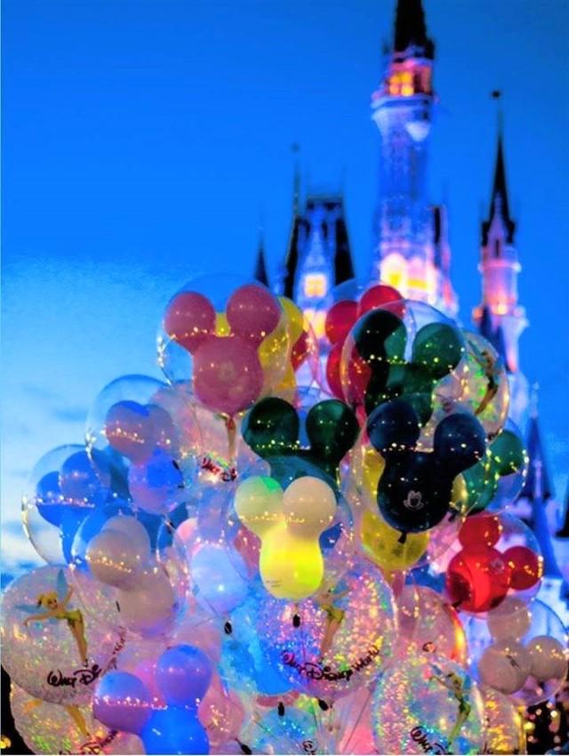 magic kingdom balloons