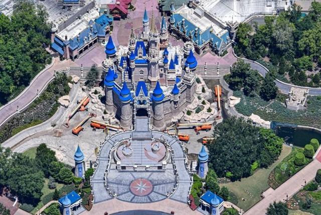 castle cranes